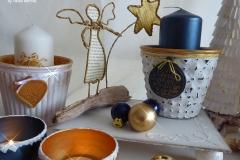 Blau-goldene Weihnachtswindlichter