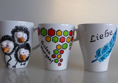 Kaffeetassen mit Decolinern bemalt