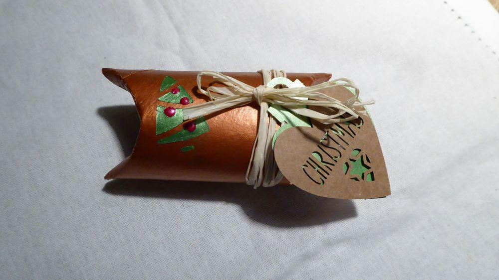 Geschenkschachtel aus Klorolle