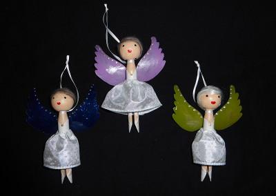 ...noch mehr Wäscheklammer-Engel
